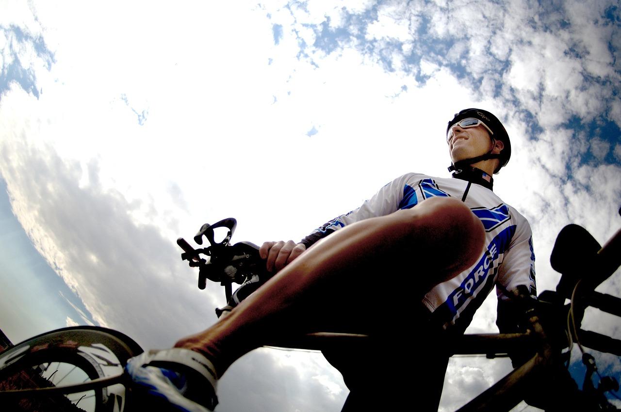 Vélo de ville et vélo pour cyclisme: quelques différences.